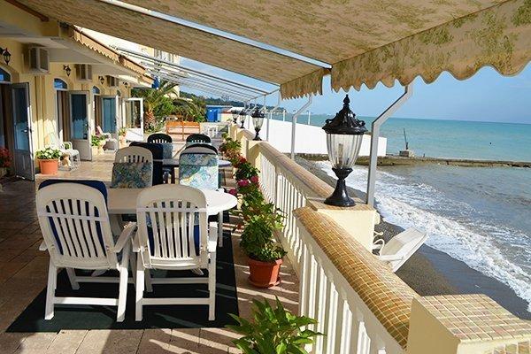 Отель со свим пляжем
