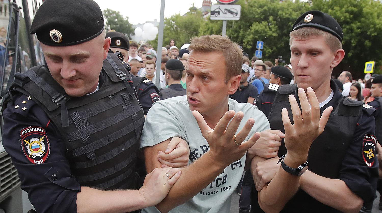 Известные люди и звезды выступают в поддержку Алексея Навального: видео