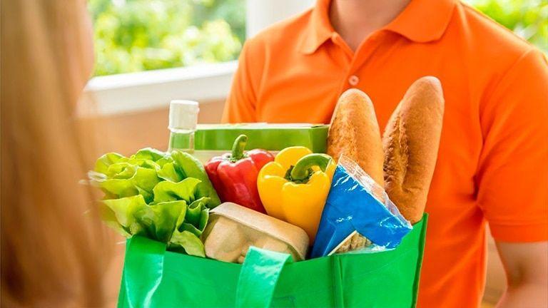 Instacart, Postmates, Whole Foods: передел рынка доставки продуктов