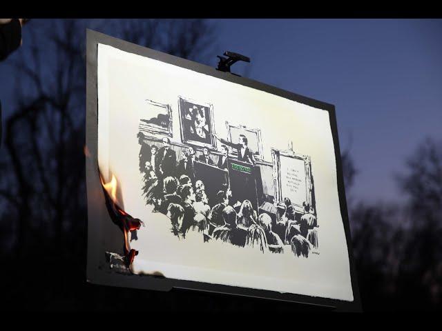 Картину Бэнкси сожгли в прямом эфире и превратили в виртуальный актив