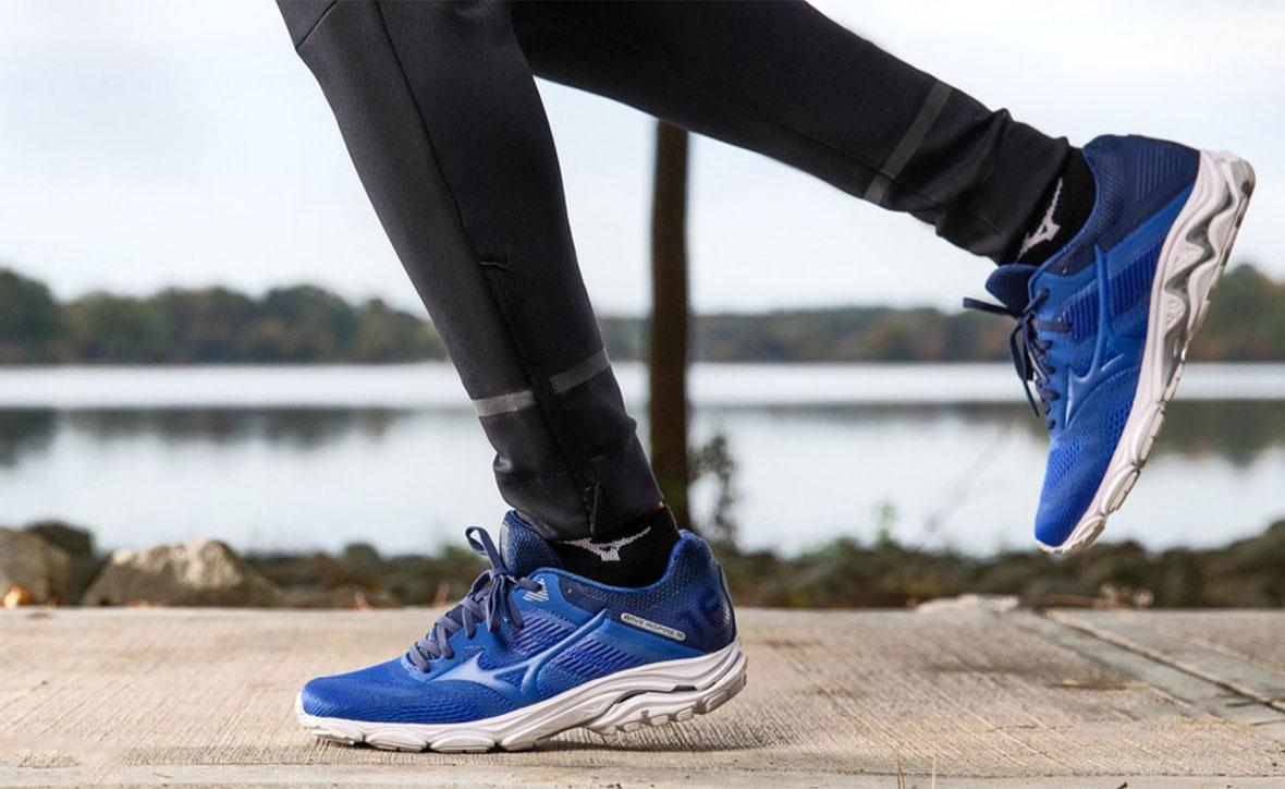 Кроссовки Mizuno: бренд, модели, характеристики, цена