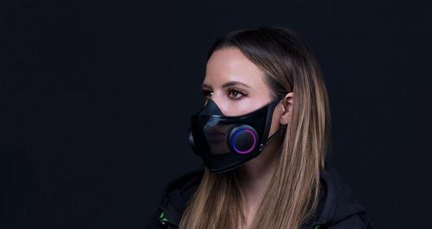 Razer представила «самую умную» маску на CES 2021