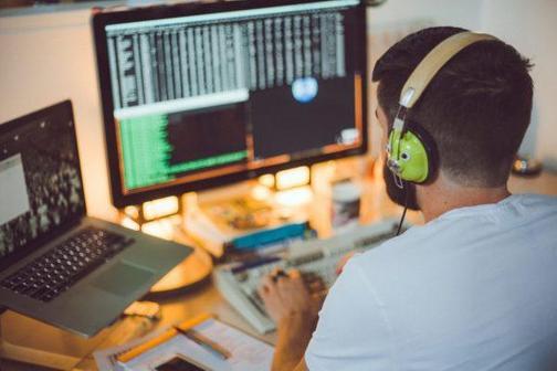 Стать программистом: плюсы и минусы профессии