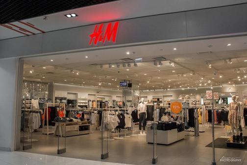 H&M бесплатно выдает костюмы для собеседований