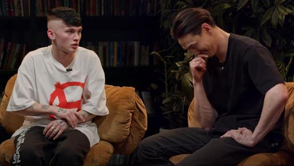 Даня Милохин в ЧБД: шутки о матери, лес и умные глаза