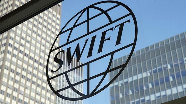 Европарламент обсуждает отключение России от SWIFT: стоит ли этого опасаться?