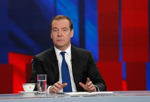 Медведев предостерег от фиктивного оформления самозанятых