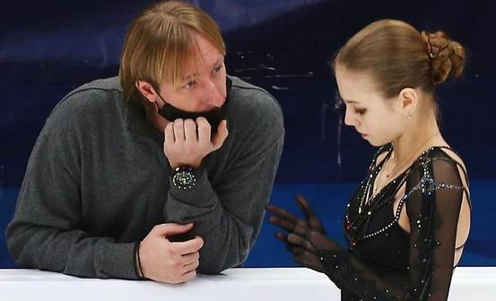 Трусова ушла от Плющенко и вернулась к Тутберидзе
