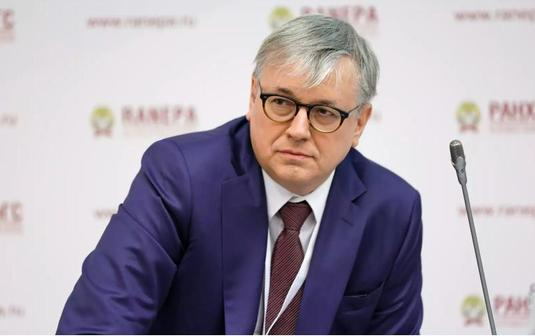 Ректор ВШЭ предупредил об обнищании среднего класса