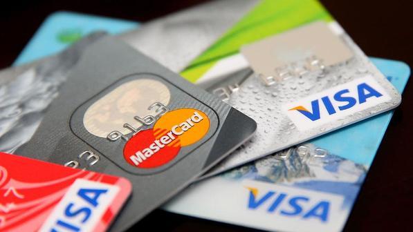 Российские банки разрешат гражданам снимать деньги с чужих карт