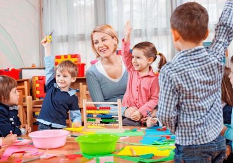 Что подарить воспитателю в детском саду на выпускной
