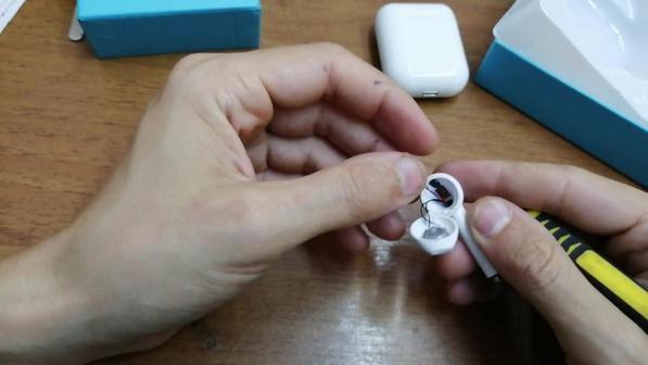 Беспроводные наушники i11 TWS 5.0: как подключить, как заряжать, как пользоваться