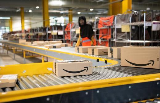 Amazon уничтожает миллионы единиц неликвида