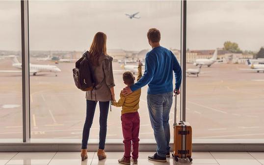 Правительство выделило деньги на дешевые авиабилеты семьям