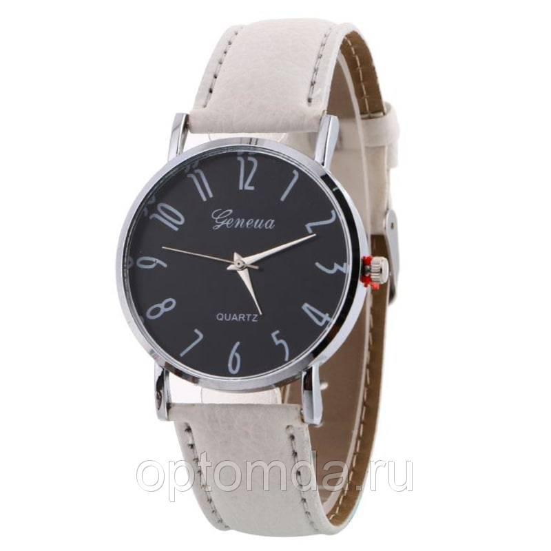 Женские наручные часы с ремешком из экокожи