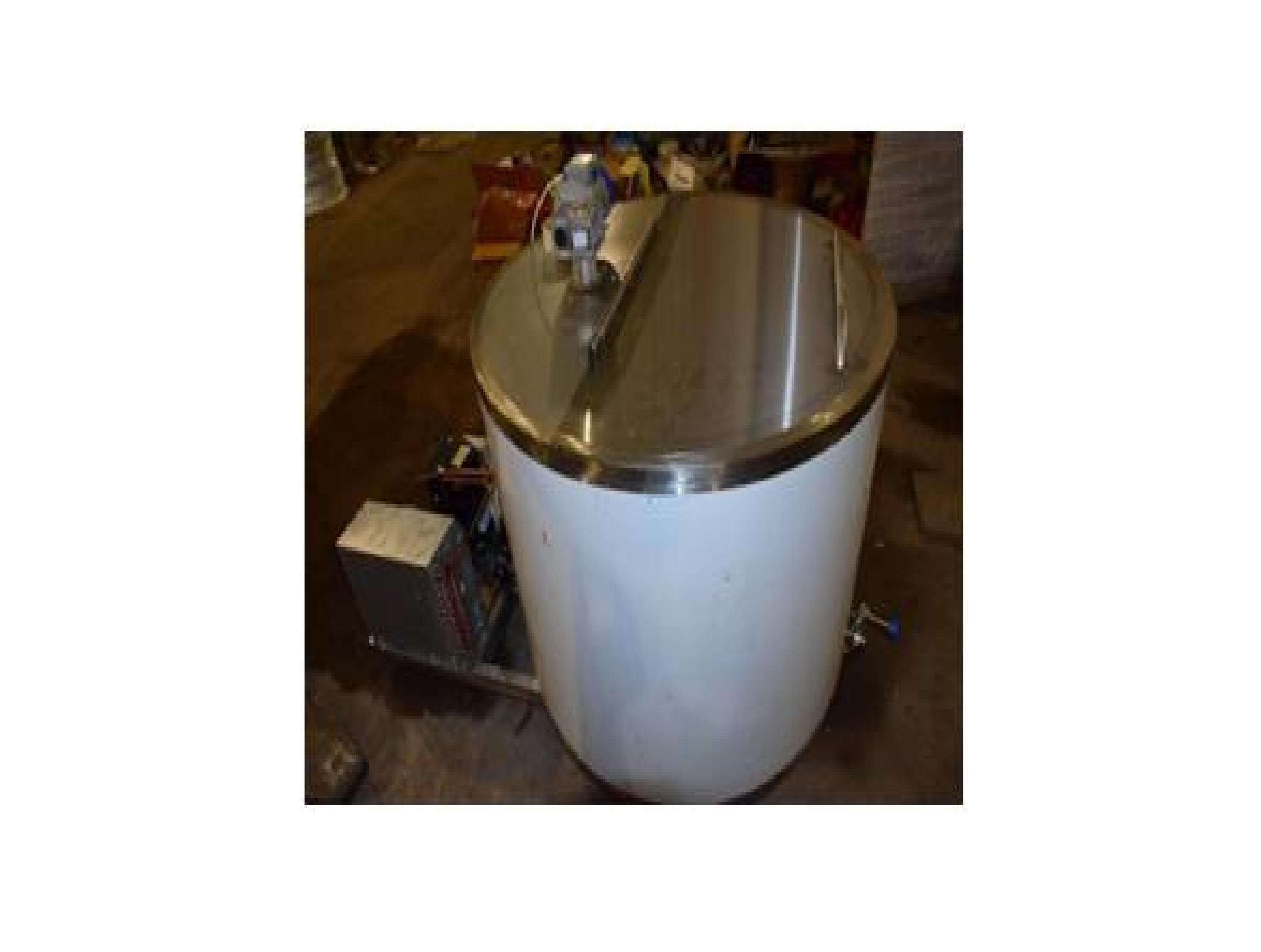 Охладители молока вертикального типа Jögu B 100 — 2000