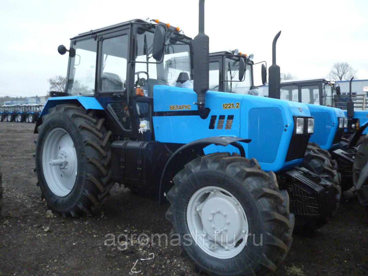 Трактор МТЗ 1221 Беларус