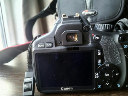 Фотоаппарат зеркальный Canon EOS 550D