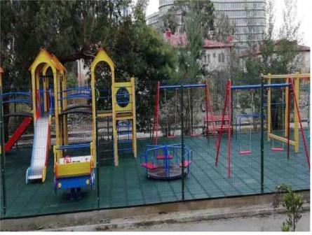 Резиновые покрытия для детских и спорт площадок
