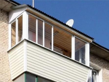 Балкон с раздвижным остеклением