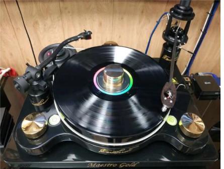 Проигрыватель винила с Audio Technica AT-ART1000