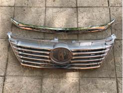 Новая решетка радиатора Toyota Camry 2011-2014