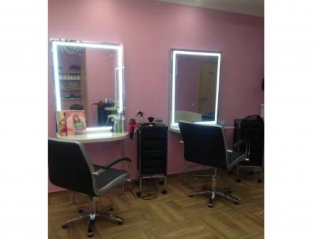 Сдаю парикмахерское кресло в салоне красоты