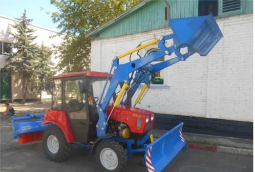 Трактор Беларус 320.4 отвал погрузчик щетка