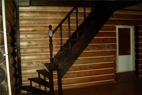Лестницы из массива сосны и лиственници с установк