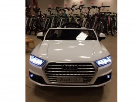 Электромобиль Audi q7 в наличии