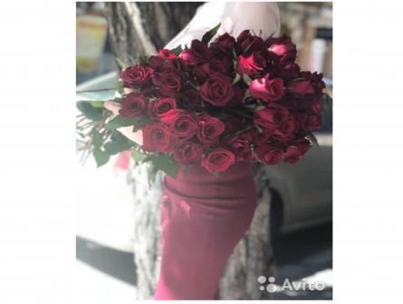 Букет из красных эквадорских роз