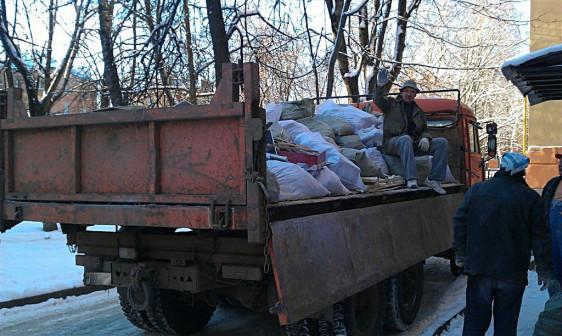 Вывоз строй мусора в Омске. Газель, Зил, Камаз
