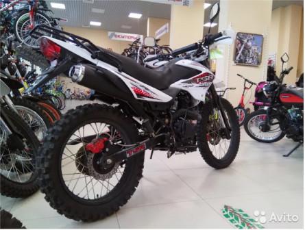 Мотоцикл Cross interceptor TSR200