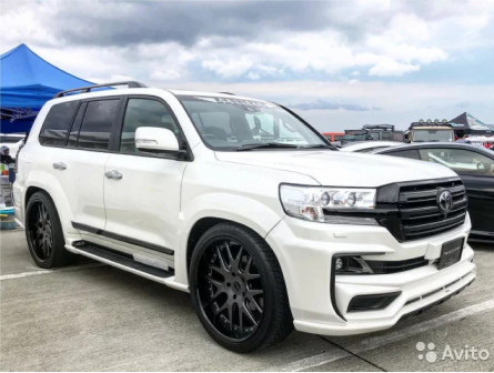 Обвес Artisan Black L. для Toyota Land Cruiser 200