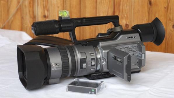 Видеокамера Sony DCR-VX2100E б/у