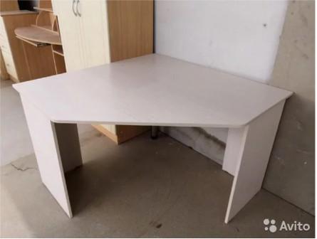 Стол угловой Юниор-4 (Стиль)