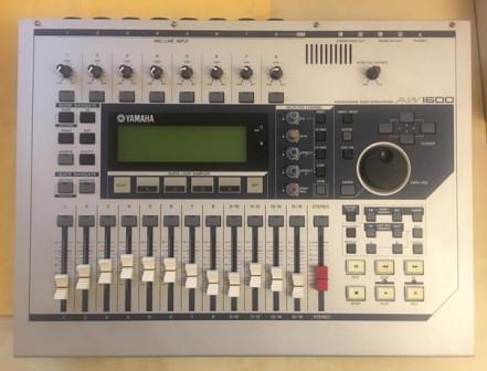 Портативная звукозаписывающая студия YAMAHA 1600AW