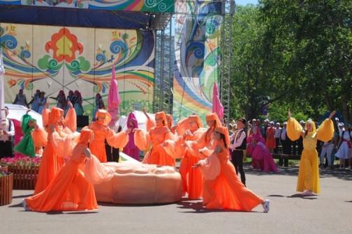 Организация под ключ и проведение городских праздников.