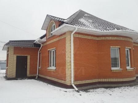 дом 150 м2, на участке 10 соток, мкр.Казарово