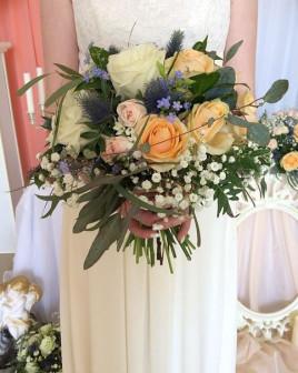 Букет невесты с ирингиумом