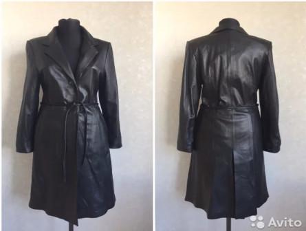 Пальто кожаное новое S