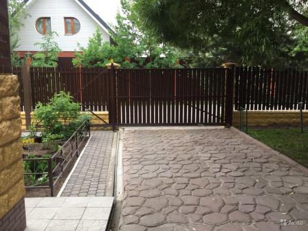 Забор из штакетника. Откатные ворота