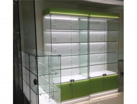 Стеклянные витрины для любого магазина
