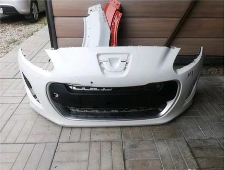 Передний бампер пежо 308 рестайлинг с 2011 гв