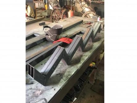Косоур для лестницы каркас из металла