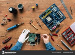 Старый и опытный компьютерный мастер-надомник предлогает свои услуги