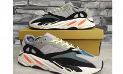 Кроссовки Adidas Yeezy Boost 700 L709-1