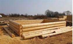 Домик ручной рубки 4 х 6 из зимнего леса