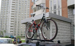 Велокрепление на крышу автомобиля