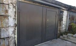 Металлические гаражные распашные ворота на заказ